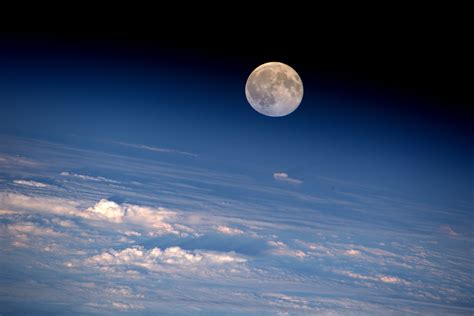 Space in Images   2016   08   Full Moon