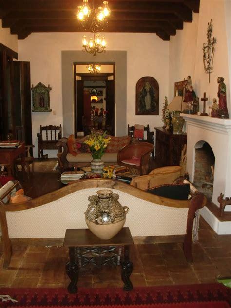 Spanish Colonial Beauty | Fachadas de casas coloniales ...