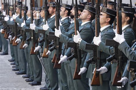 Spanish Police Issued with Obsolete Rifles  The Firearm Blog