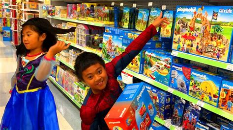 Spider Man and Frozen Anna Go To Toys R Us | Buy Lego ...