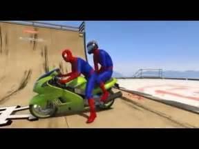 Spiderman dibujos animados sobre la moto para los niños ...