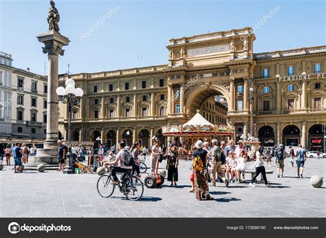Square of the Republic in Florence – Stock Editorial Photo ...