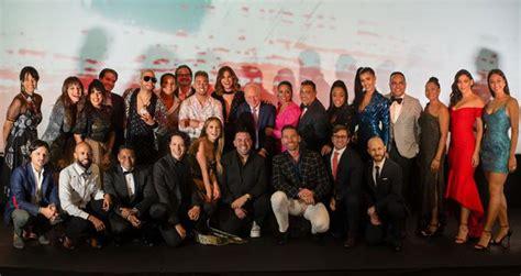 """""""Qué Leones"""" reúne elenco completo en su premiere ..."""