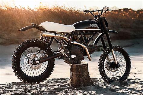 'R/T' Ducati Scrambler 400   Anvil Motociclette   Pipeburn.com