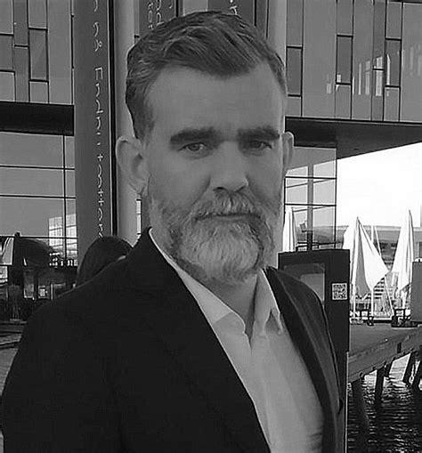 강철수염과 게으른 동네  로비 역의  Stefan Karl Stefansson  지난 21일 사망 ...