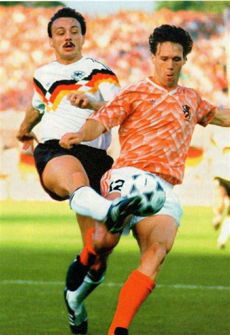 ปักพินในบอร์ด 1988 Euro Championship