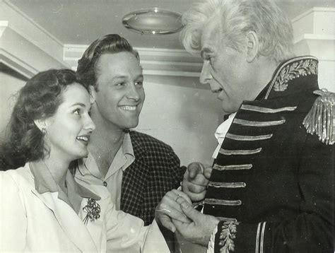 ปักพินในบอร์ด William Holden and his family
