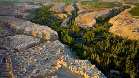 「トルファン盆地とアスターナ古墓群」中国, 新疆ウイグル自治区 | Bingの画像