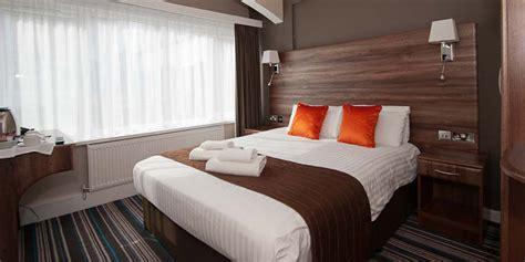 STANDARD DOUBLE BEDROOM   Ramada Warwick Hotel ...