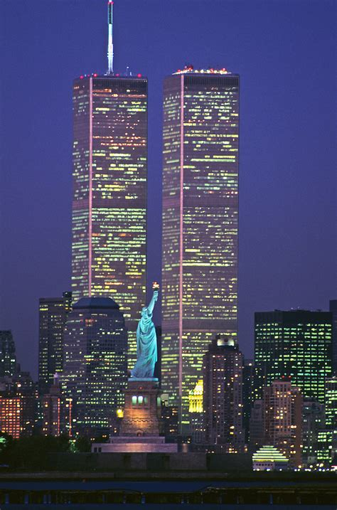 Statue of Liberty Between Twin Towers, World Trade Center ...
