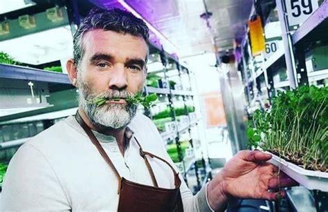 Stefán Karl Stefánsson lucha contra el cáncer