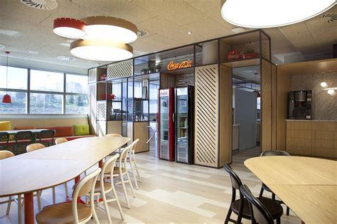Stone Designs renueva el comedor de las oficinas centrales ...