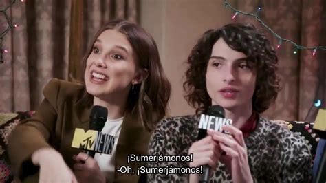 Stranger Things 3  Finn, Millie y Noah responden preguntas ...