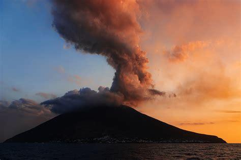 Stromboli, studio INGV IGN su allerta precoce eruzioni ...