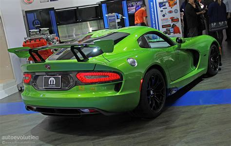 Stryker Green 2014 SRT Viper Is Dropping Jaws in Detroit ...