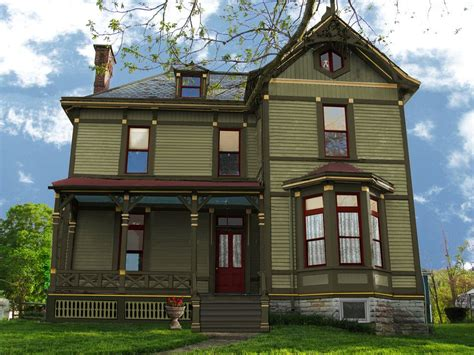 Stunning Exterior Paint Combinations for Homes Dark Green ...