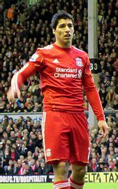 Suárez playing for Liverpool in December 2011