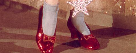 Subastan los zapatos rojos de Dorothy en el Mago de Oz ...