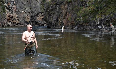 Sunbathing in Siberia: Vladimir Putin s summer holiday ...