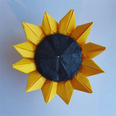 Sunflower designed by Jo Nakashima : origami