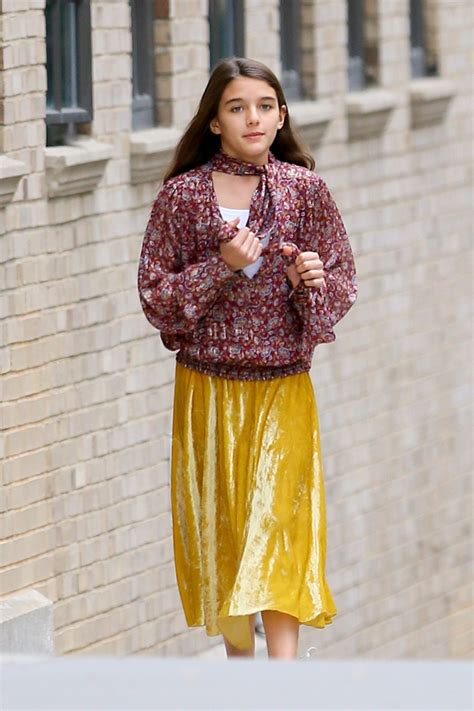 Suri Cruise Is Katie Holmes' Twin During Outing With ...