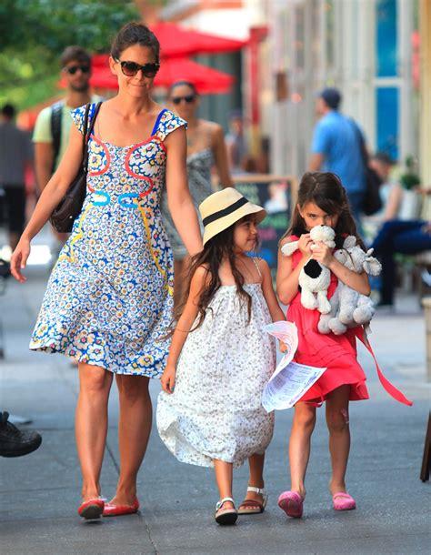 Suri Cruise, Katie Holmes Head To New York Park  PHOTO