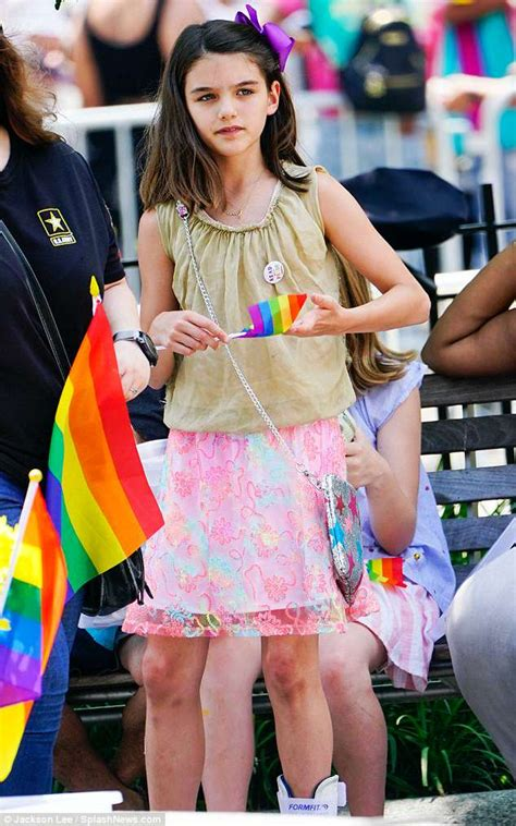 Suri Cruise PICTURED: Katie Holmes and Tom Cruise s ...