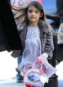 Suri is starting to really resemble Tommy