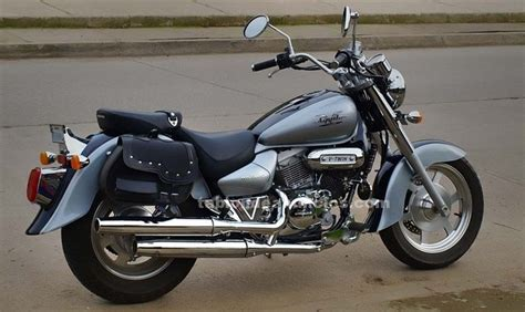 TABLÓN DE ANUNCIOS   Vendo moto custom hyosung aquila gv ...