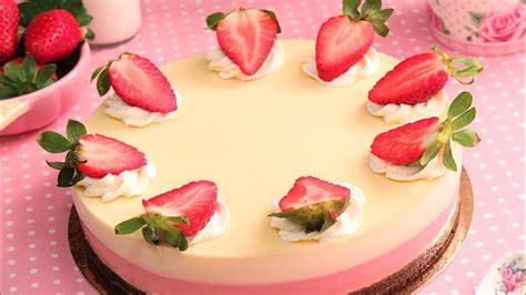 Tarta de Chocolate Blanco y Fresas muy Fácil y sin horno ...