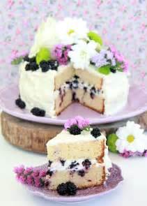 Tarta de chocolate blanco y moras silvestres | Dulce ...