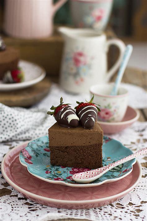 Tarta de Chocolate con 2 ingredientes saludable y sencilla