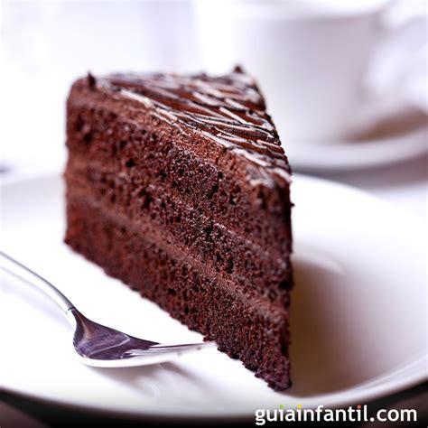 Tarta de chocolate con margarina para el cumpleaños de los ...