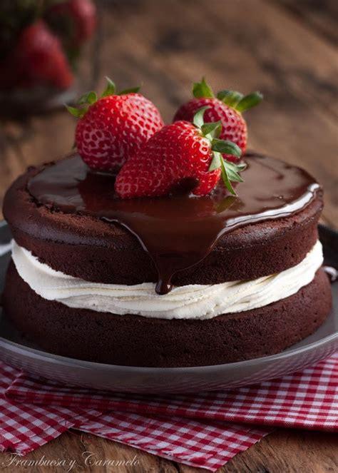 Tarta de chocolate, fresas y nata   Frambuesa y Caramelo