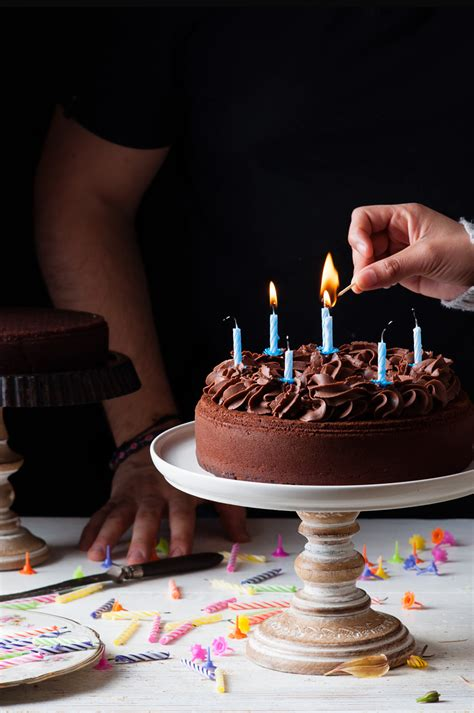 Tarta de Cumpleaños de Chocolate | Receta Fácil de ...