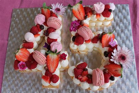 Tarta de Números con Hojaldre a la Crema  lo más Trend ...