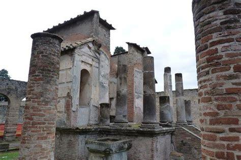Tempio d Iside, Pompeii   TripAdvisor