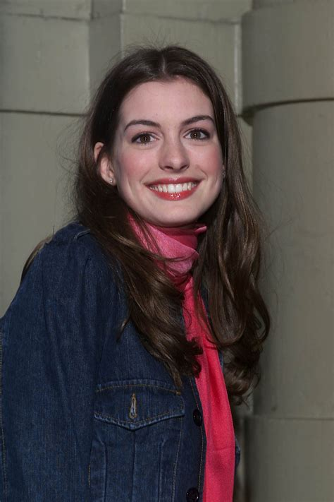 That One Time Anne Hathaway Slayed  00s Fashion Trends