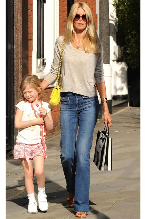 The 14 Most Stylish Model Moms | Claudia schiffer, Casual ...