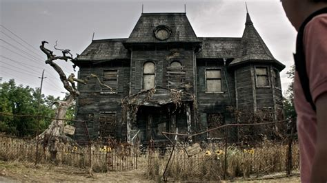 The 19 Scariest, Freakiest Haunted Houses in Movies and TV