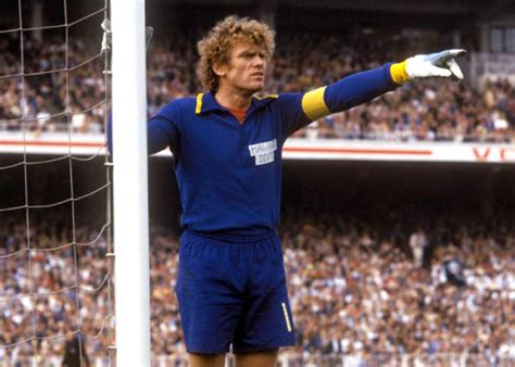 The Best Goalkeepers of all Time | Ertheo Sports Programs