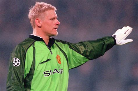 The best goalkeepers of all time: Three Premier League ...