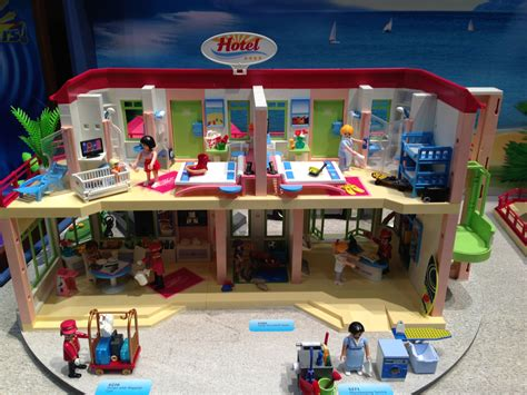 The detailed happenings in each room of Playmobil s Hotel ...