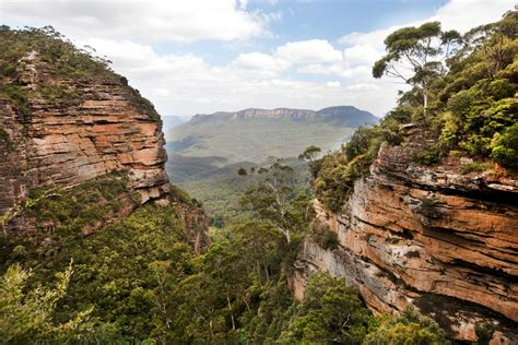 The Extraordinary Blue Mountains in Australia ...