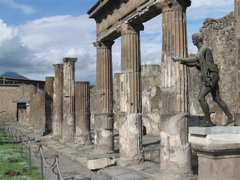 The First Destruction of Pompeii 62 A.D.   Napoli Unplugged