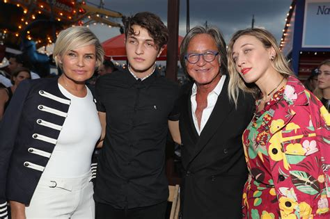 The Hadid family showed their support for Gigi. | Step ...