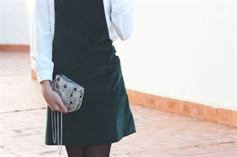 THE LITTLE BLACK DRESS: En terciopelo verde