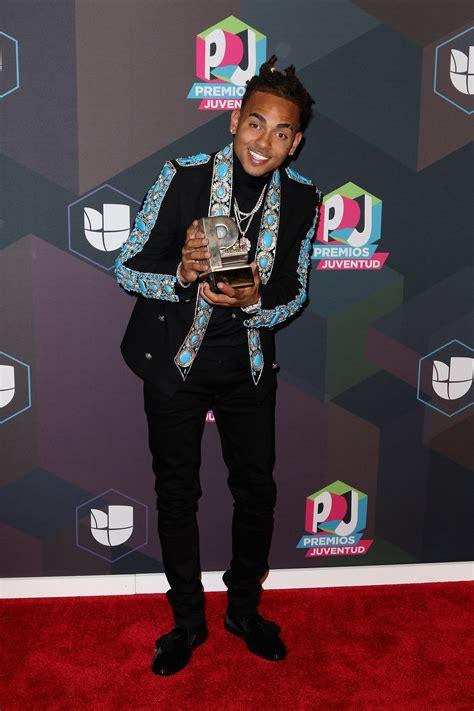 The Men of Univision's Premios Juventud Red Carpet Took No ...