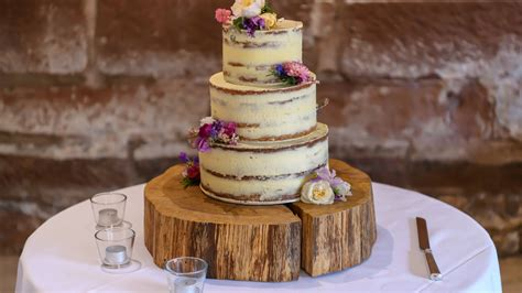 The Most Searched Wedding Cake Trends Of 2019 Will Give ...