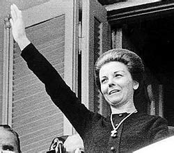 The Other Mrs. Peron: Argentina's Despised Diva, Isabelita ...